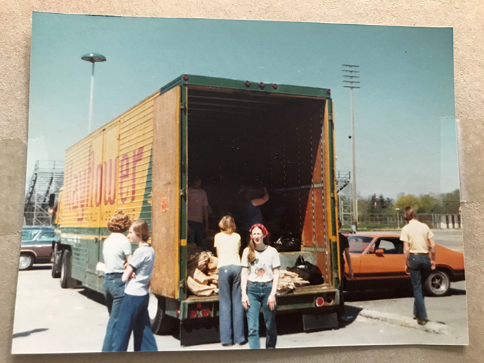 1._lois_debacker_1973_recycling_drive.jpg